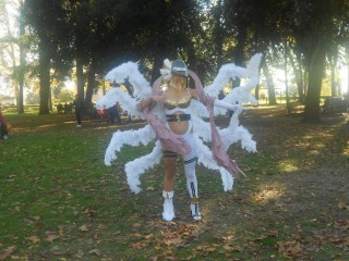 Cosplay di Angewomon al Lucca Comics & Games.